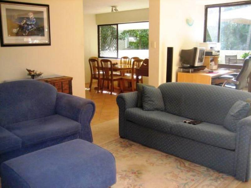 4 'Grevillea', 32 Rudd Street, Broadbeach Waters QLD 4218