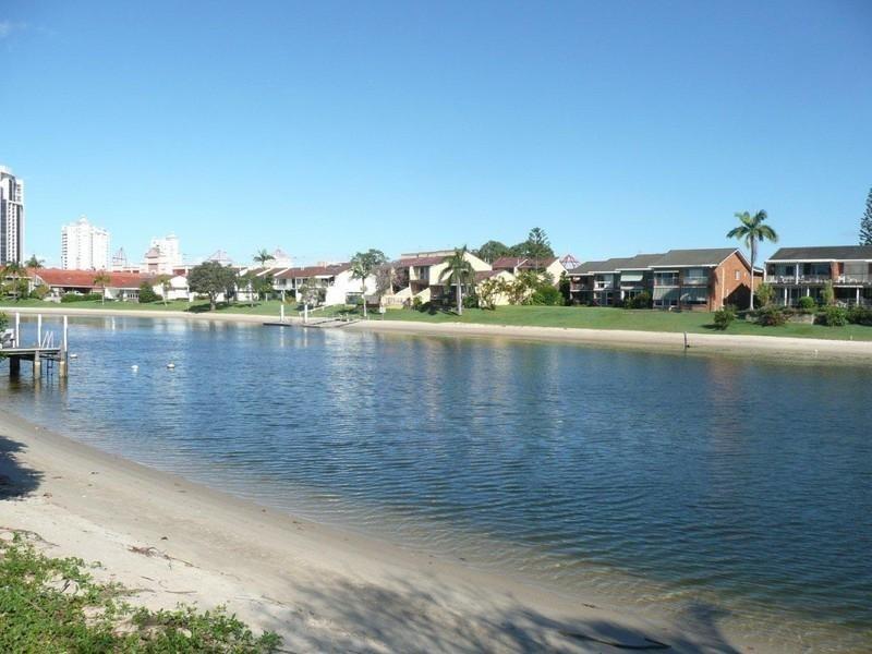 7 Rebecca Court, Broadbeach Waters QLD 4218