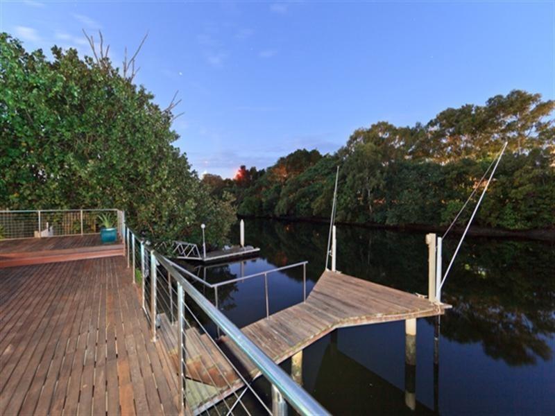 40 Karina Crescent, Broadbeach Waters QLD 4218