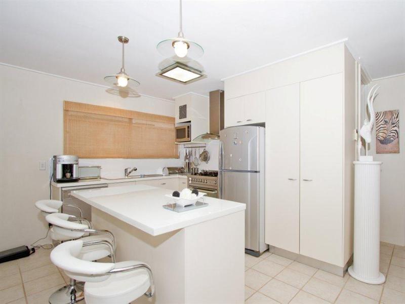 2/29 Merrimac Boulevard, Broadbeach Waters QLD 4218