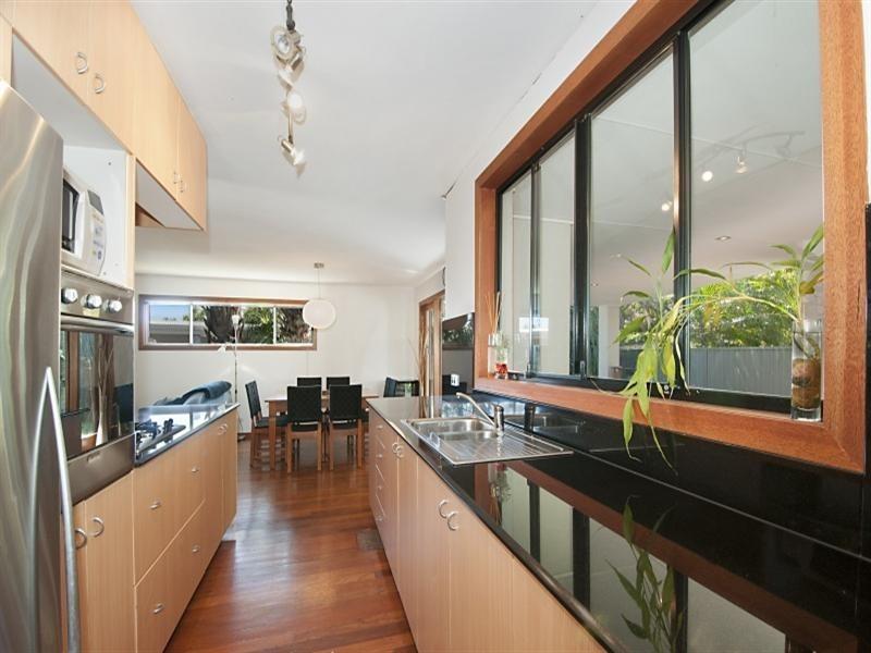 26 Naranga Avenue, Broadbeach Waters QLD 4218