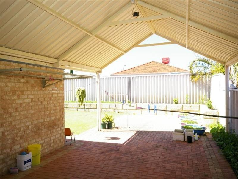 16 Truscott Elbow, Alexander Heights WA 6064