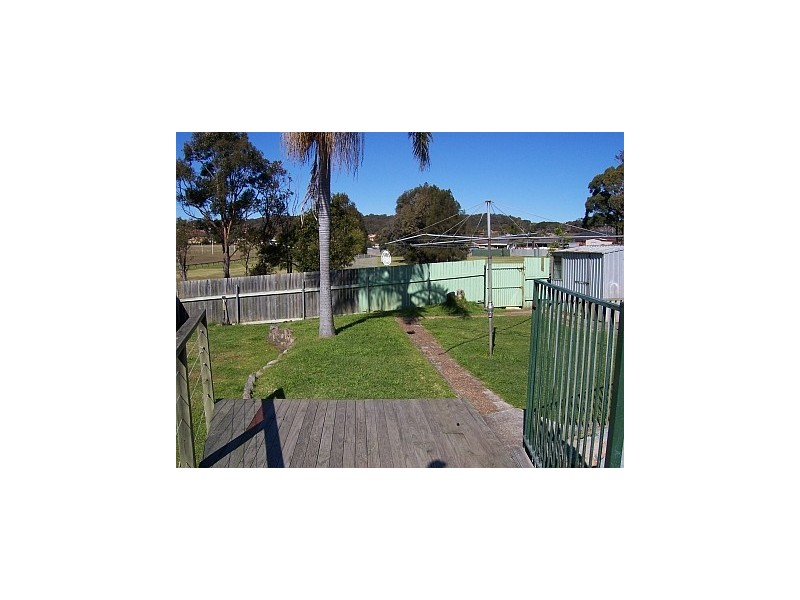 14 Gipps Crescent, Barrack Heights NSW 2528