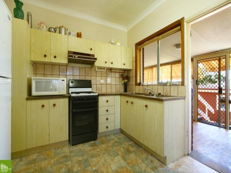 91 Leawarra Avenue, Barrack Heights NSW 2528