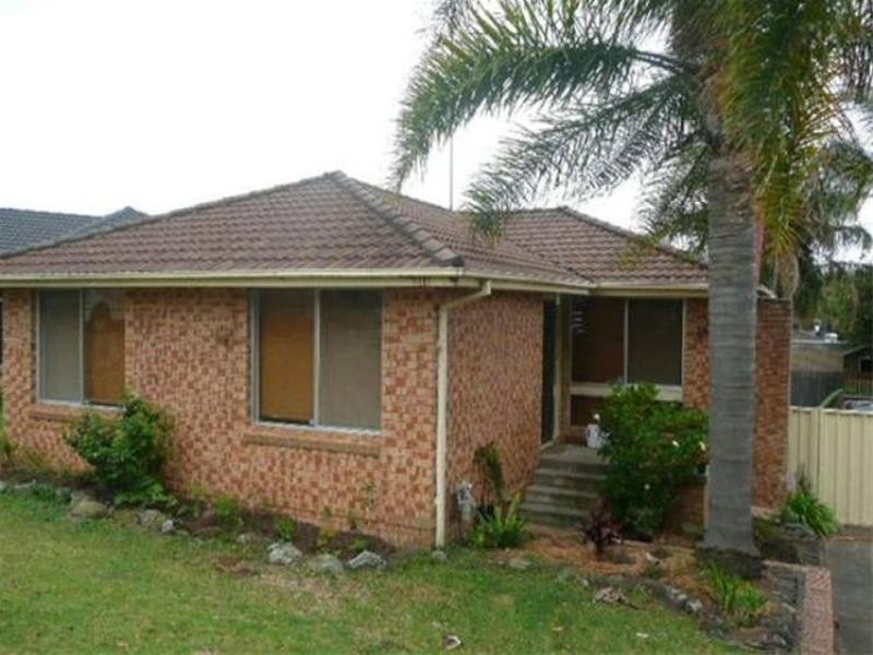10 Woodlands Drive, Barrack Heights NSW 2528
