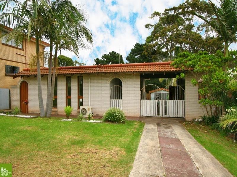 18 Hunter Street, Barrack Heights NSW 2528