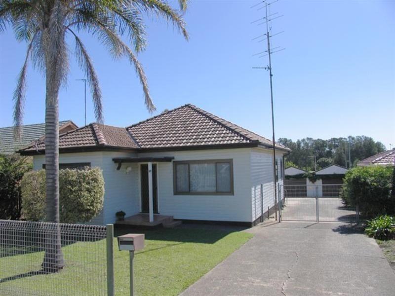 13 Jason Avenue, Barrack Heights NSW 2528