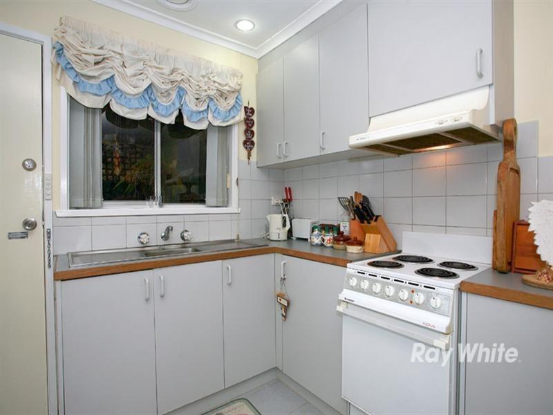 2/5 Carroll Avenue, Dandenong VIC 3175