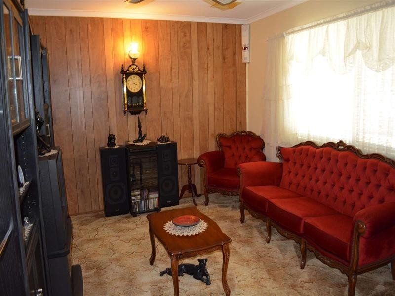 8 Carina Court, Mount Louisa QLD 4814