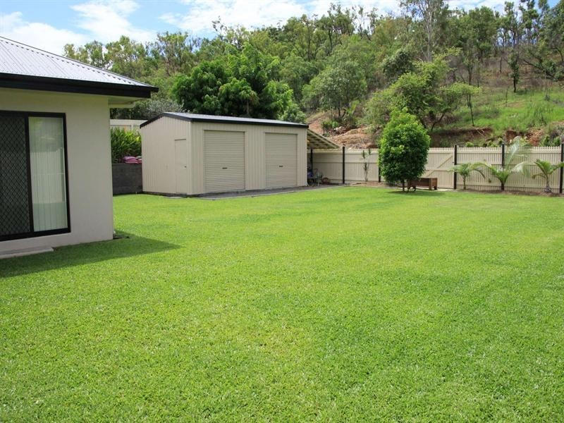 12 Heliconia Court, Mount Louisa QLD 4814