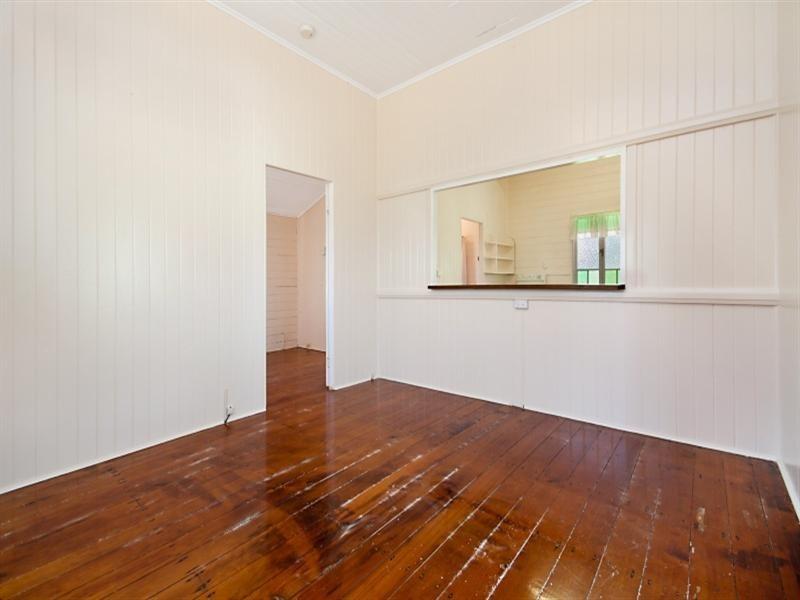 61 Roberts Street, Hermit Park QLD 4812