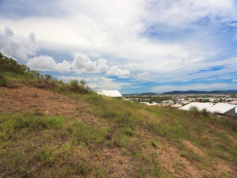 13 Kosciusko Way, Mount Louisa QLD 4814