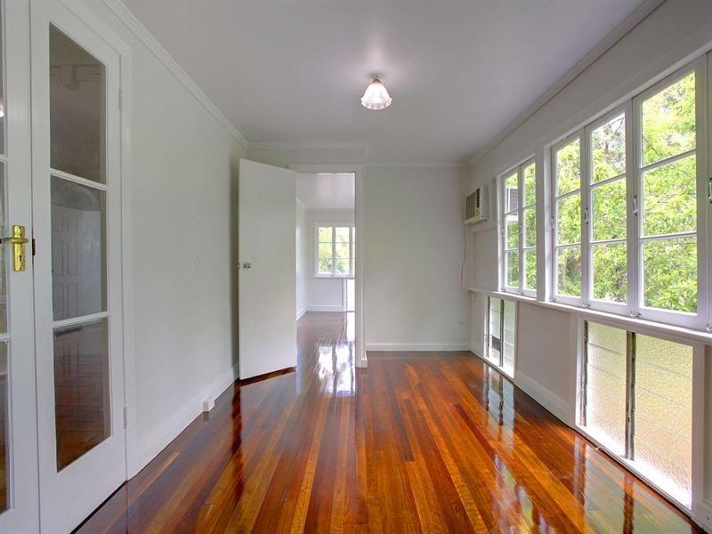 90 Queens Road, Hermit Park QLD 4812