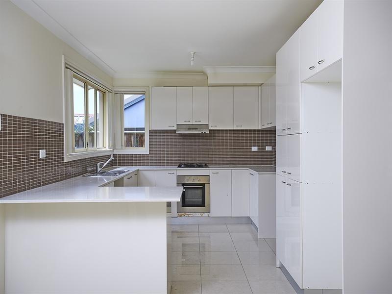 15 Dungara Drive, Pemulwuy NSW 2145