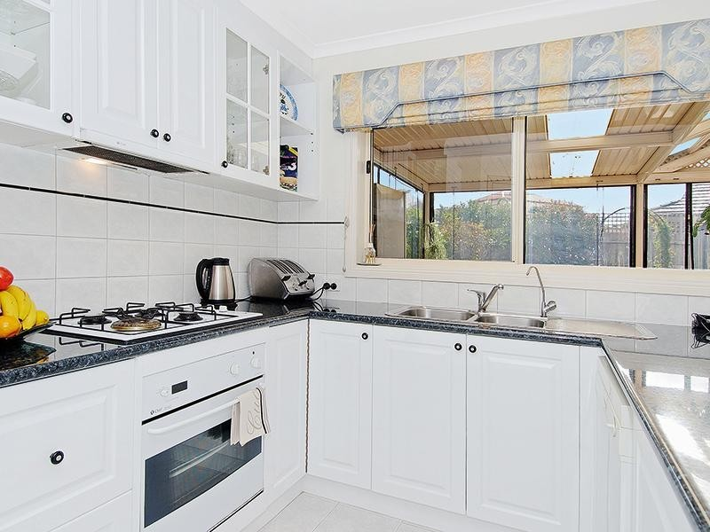 33 Island Place, Mill Park VIC 3082