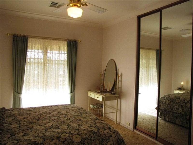 8 Downer Terrace, Lyrup SA 5343