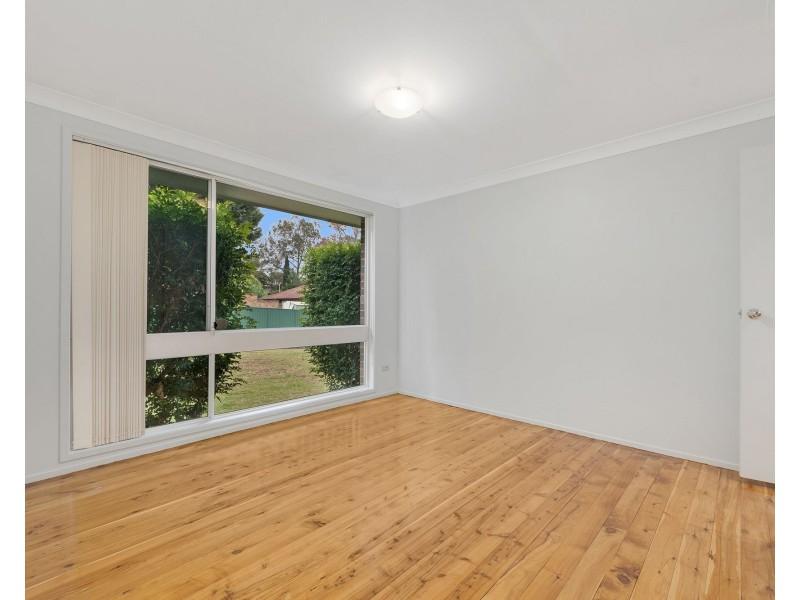 8 Twingleton Avenue, Ambarvale NSW 2560