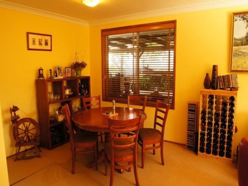 16 Holborn Street, Ambarvale NSW 2560
