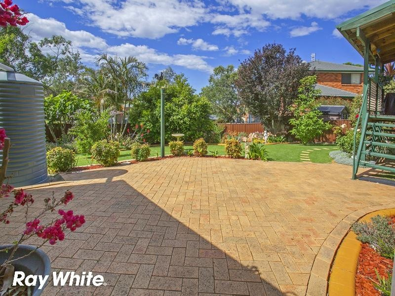 77 Barton Drive, Kiama Downs NSW 2533