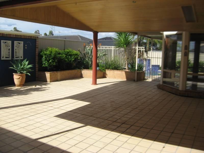 25 Rafter Crescent, Abbotsbury NSW 2176