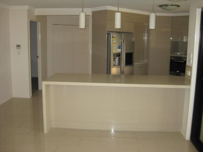 6 Sandys Place, Kawana QLD 4701