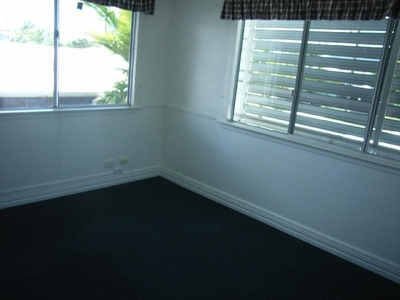 15 Hollingsworth Street, Kawana QLD 4701