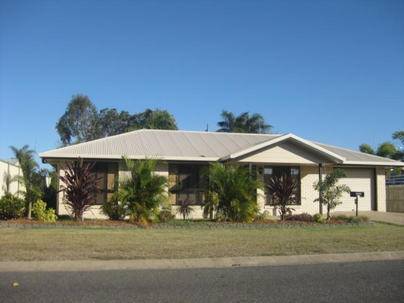 4 Mungarra Drive, Kawana QLD 4701