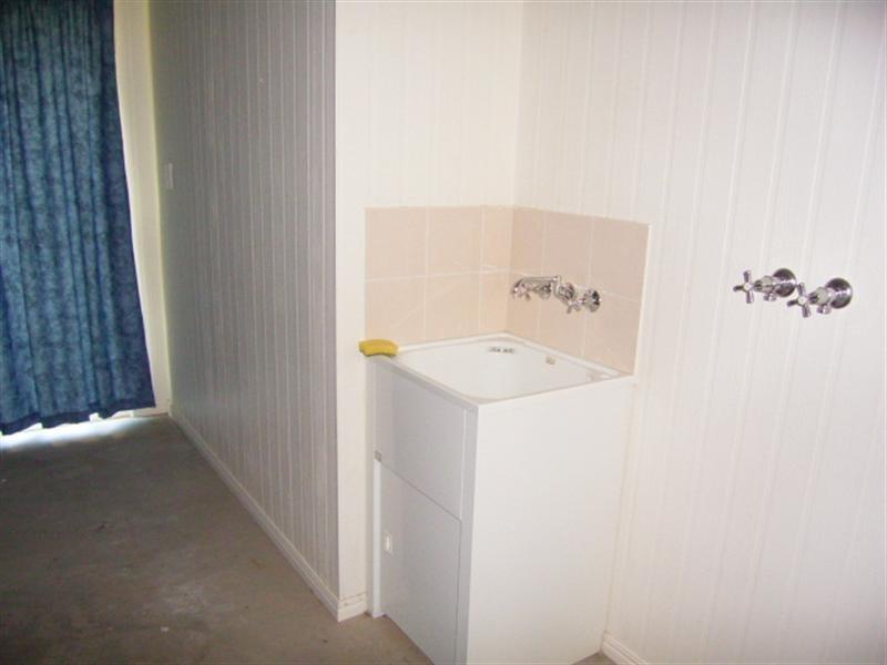 2 Hibiscus Court, Kawana QLD 4701
