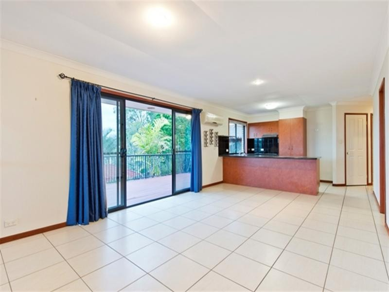 42 Palmerston Drive, Oxenford QLD 4210
