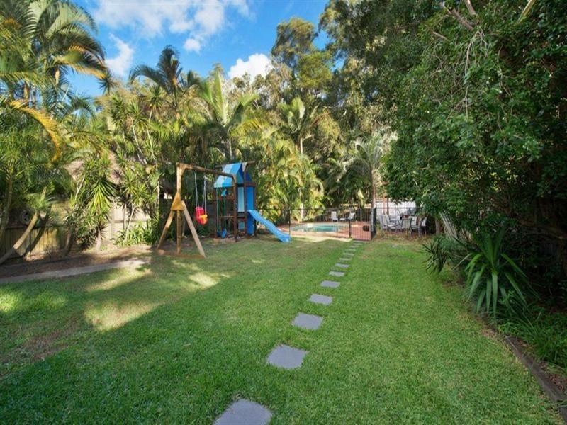 55 Nalkari Street, Coombabah QLD 4216