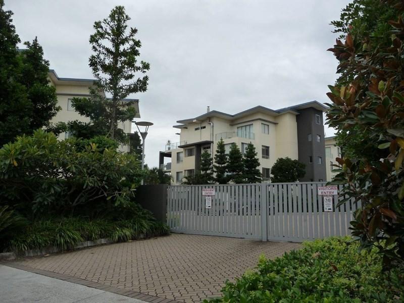 115/3 Pendraat Parade, Hope Island QLD 4212