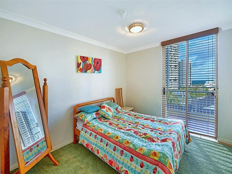 15 'Seychelles' 5 Cronin Avenue, Main Beach QLD 4217