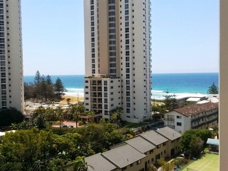 46 Pacific Street, Main Beach QLD 4217