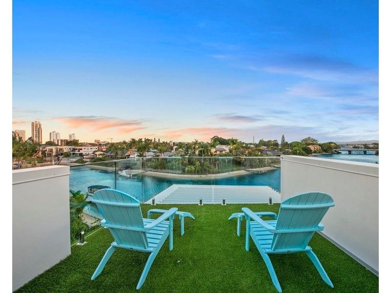 Villa 1/38 Merrimac Boulevard, Broadbeach Waters QLD 4218