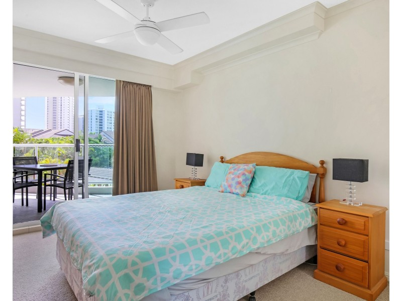 The Crest, 15 Breaker Street, Main Beach QLD 4217