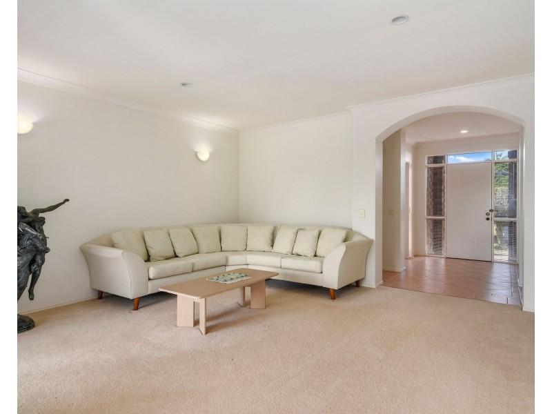 17 Huon Street, Broadbeach Waters QLD 4218