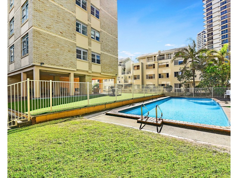 15/15 Pacific Street, Main Beach QLD 4217