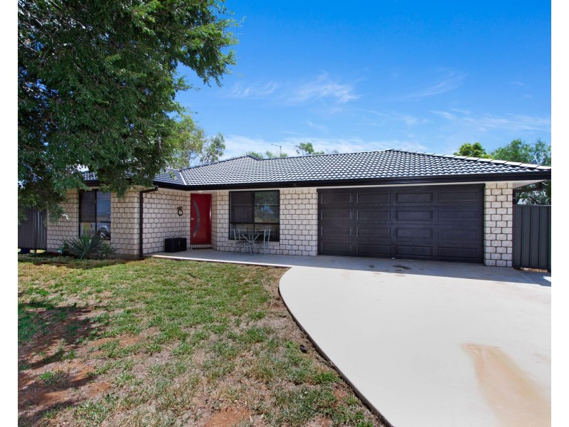 90 Attunga Street, Tamworth NSW 2340