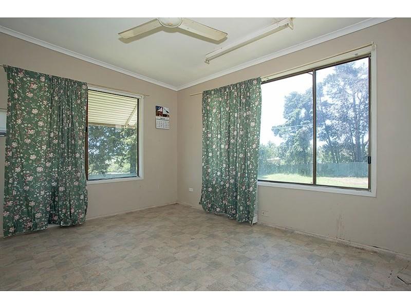 61 Ruthven Street, Harlaxton QLD 4350
