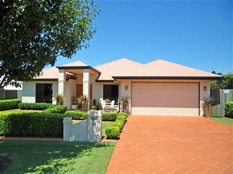 22 Barton Street, Middle Ridge QLD 4350