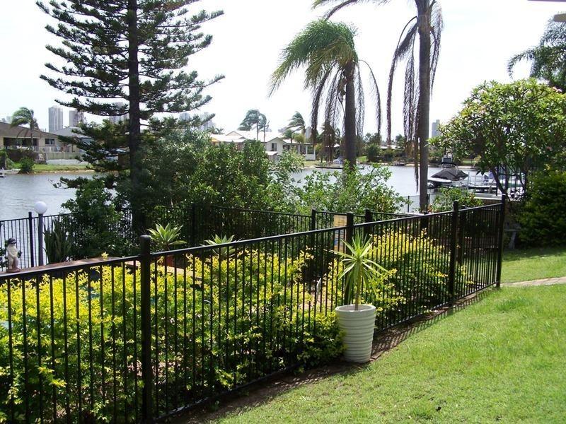 93 T E Peters Drive, Broadbeach Waters QLD 4218