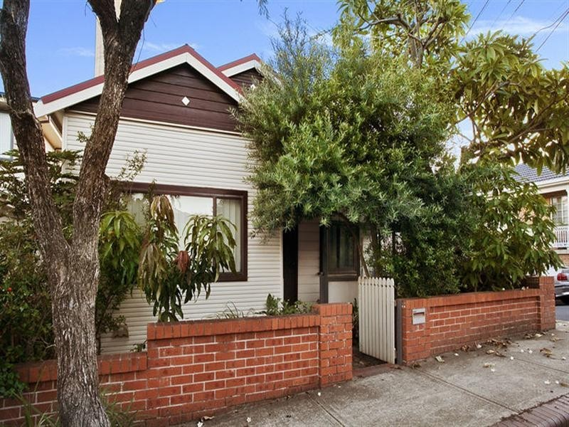 18 Station Street, Tempe NSW 2044