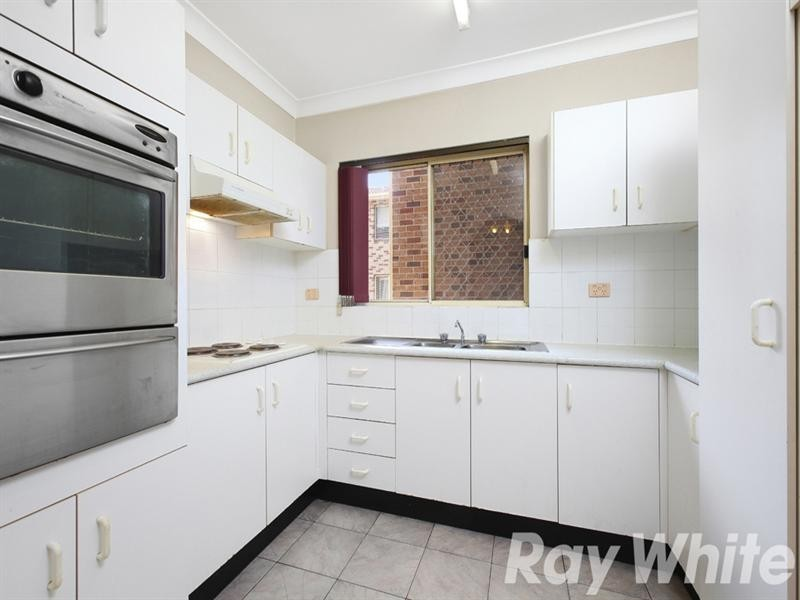 8/27-33 Jeffrey Street, Canterbury NSW 2193
