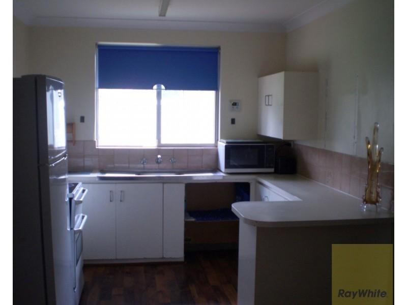 11 Jarrah Close, Camillo WA 6111