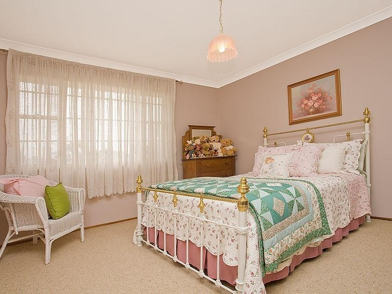 1 Marlock Place, Alfords Point NSW 2234