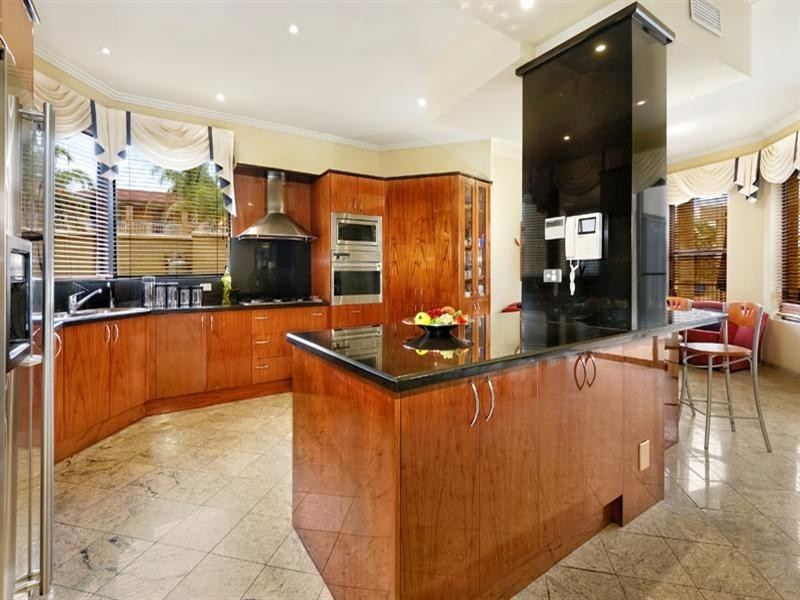 2 Lomandra Place, Alfords Point NSW 2234