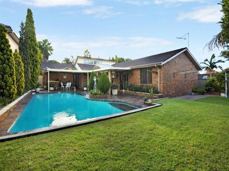 17 Casuarina Road, Alfords Point NSW 2234