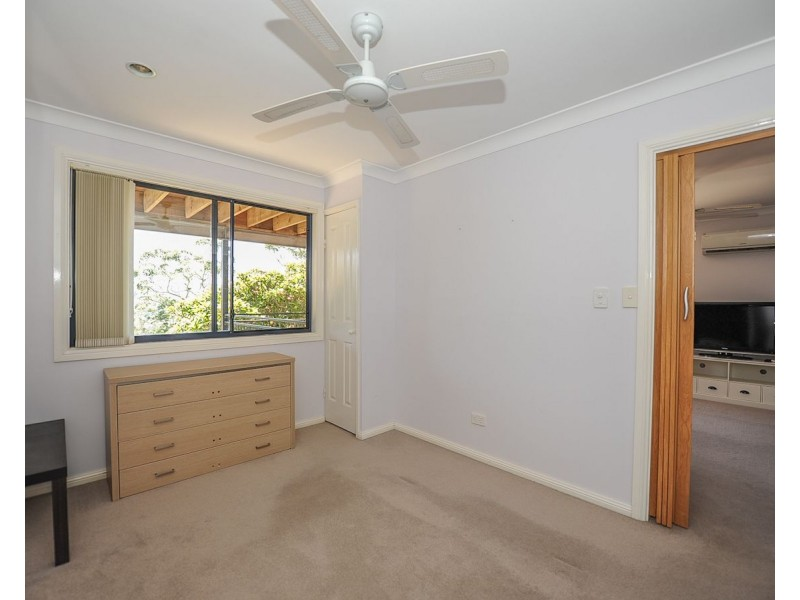 21b Penang Street, Point Clare NSW 2250