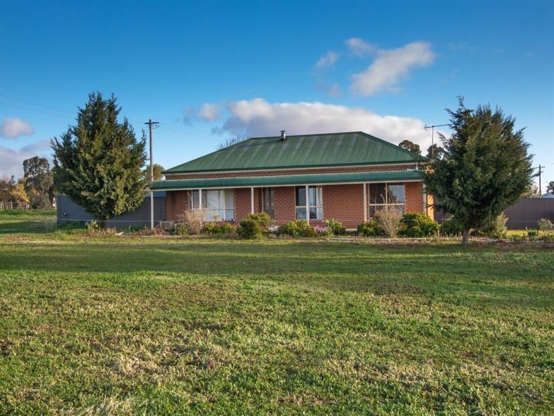 52 Dukes Road, Lake Albert NSW 2650