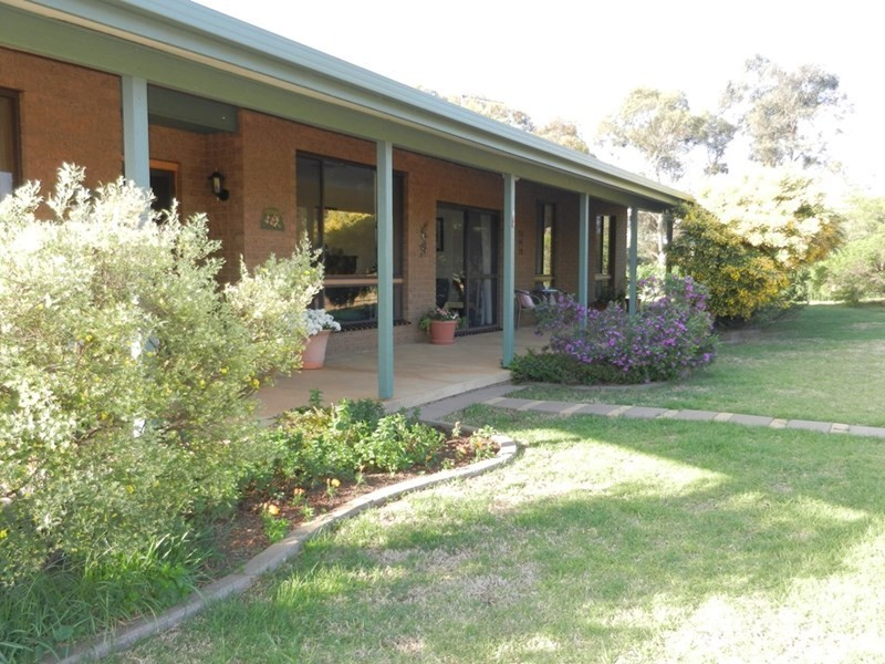 4 Stinson Street, Coolamon NSW 2701